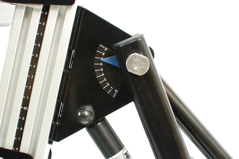Tilt angle indicator